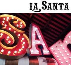 letras gigantes restaurante mexicano La Santa (Grupo Reini). Imagen portada