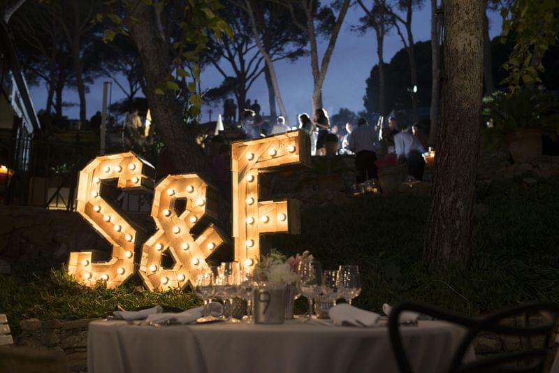 The font hunter stock de alquiler y o compra a medida - Letras luminosas decoracion ...