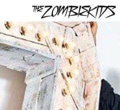 051b_letra_madera_bombillas_zombie_kids_musica_logo