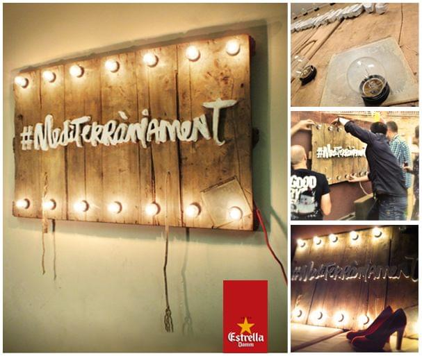 Carteles madera iluminados lámparas campaña mediterràniament Estrella Damm
