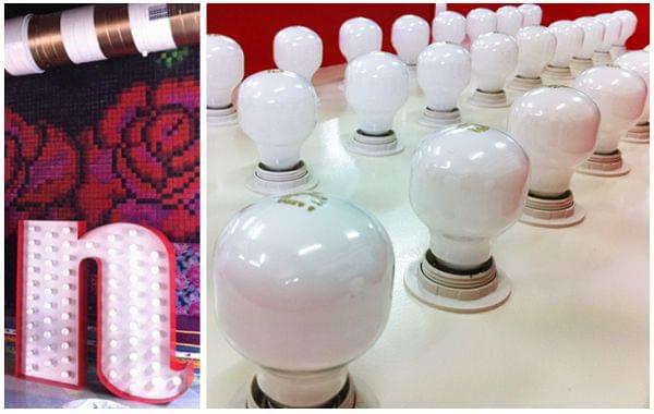 Letras iluminadas con lámparas para restaurante mexicano La Santa. Letra N i primer plano lámparas