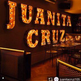 Rótulo interior en restaurante de Madrid